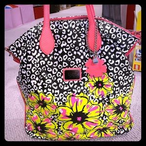 Vibrant like new Guess multi function bag!!!!